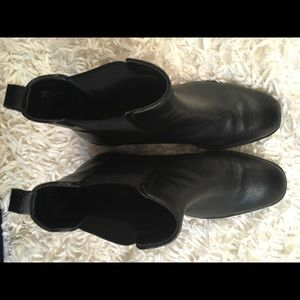Kenneth Cole Reaction Shoes - Kenneth Cole Salt Heeled Chelsea Boots